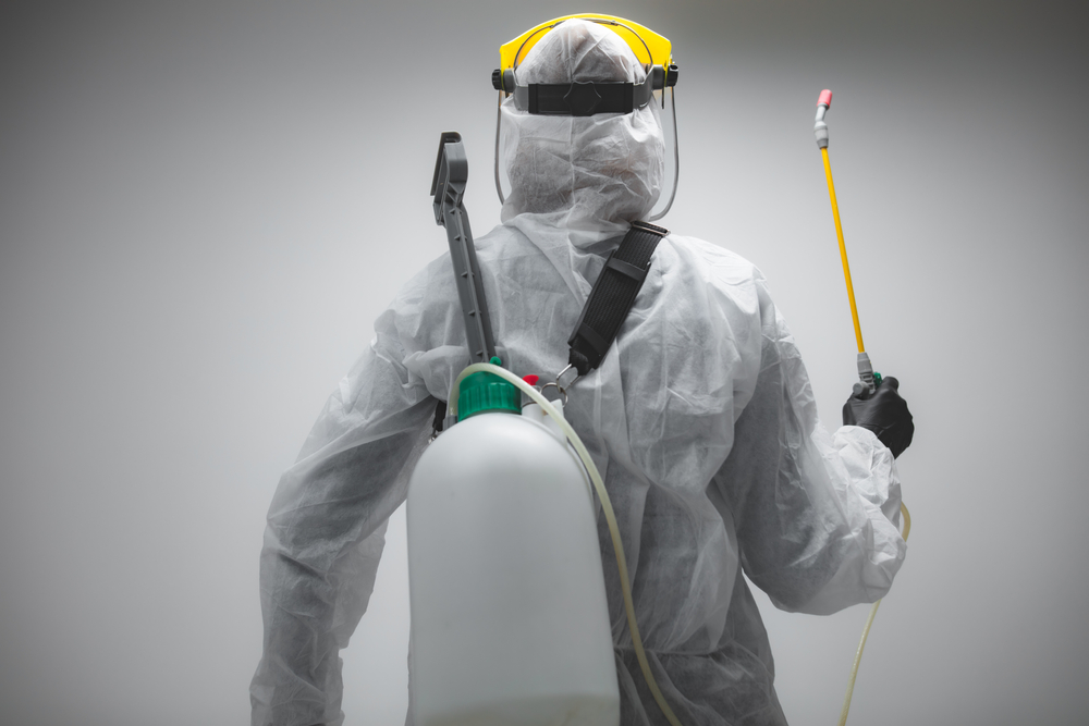 cleaner performing viral decontamination
